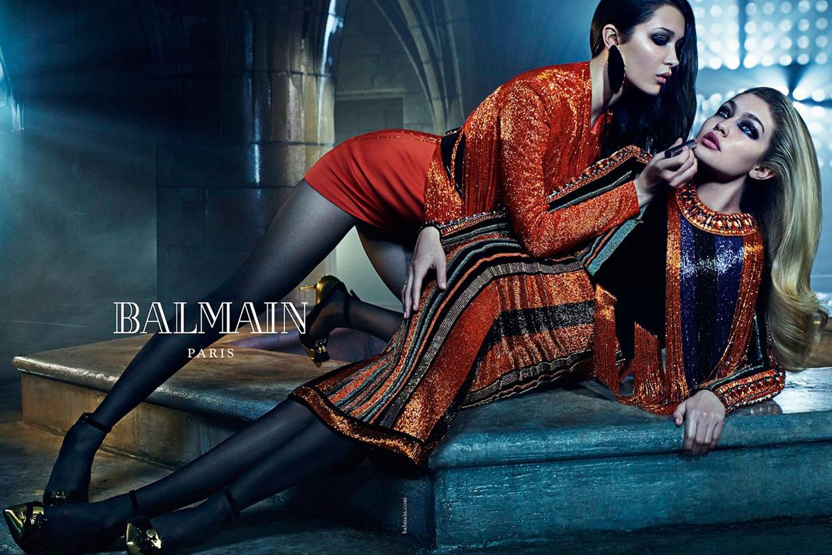 Su hermana, Bella Hadid, también viene dispuesta a pisar fuerte en el mundo de la moda. Así posaron juntas para Balmain.