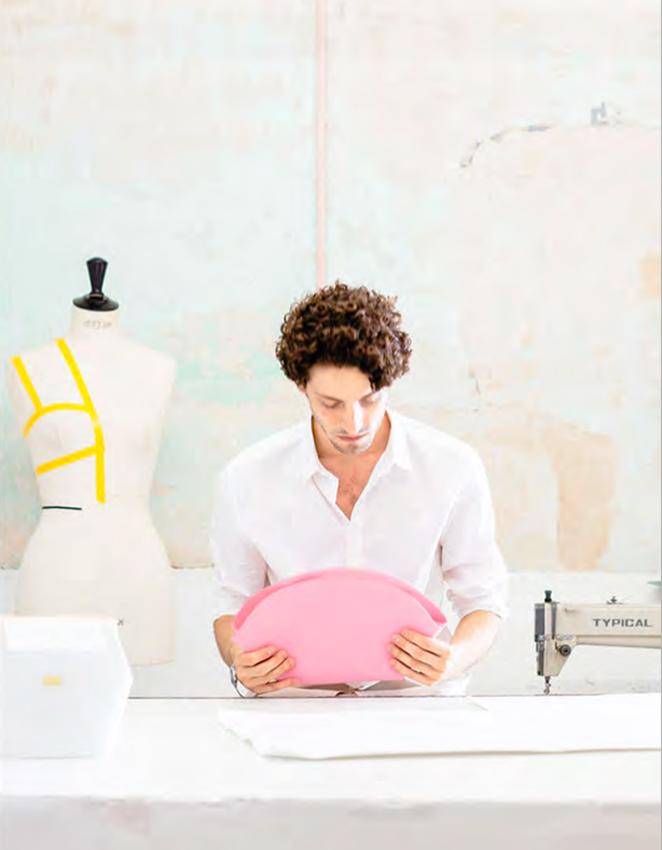 Un alumno de la pasada edición de Piel Design, el master que se desarrolla en movex en colaboración con la Fundación Loewe.