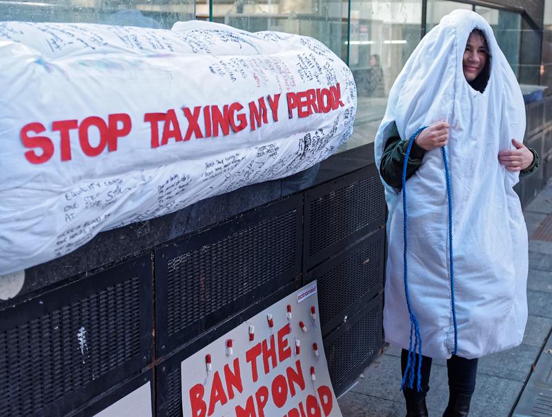 Manifestación el pasado mes de agosto en Australia por la bajada de los impuestos sobre los productos de higiene femenina. Allí sí que se ha debatido en televisión sobre este tema.