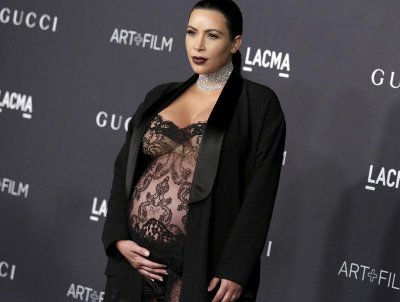 ¿Por qué a las famosas les ha dado por comer su propia placenta?