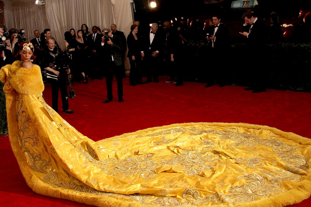 El vestido de Rihanna en la gala MET, uno de los virales de 2015