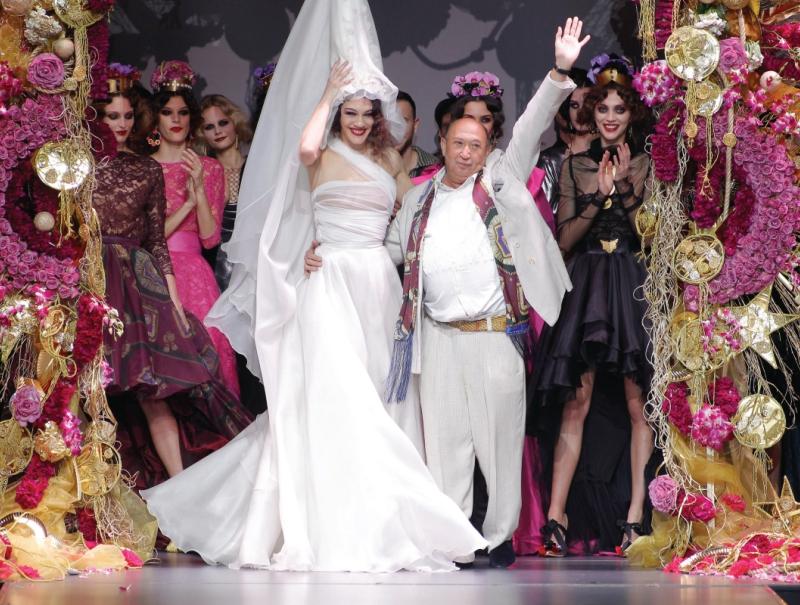 Francis Montesinos rinde homenaje a siete grandes de la moda