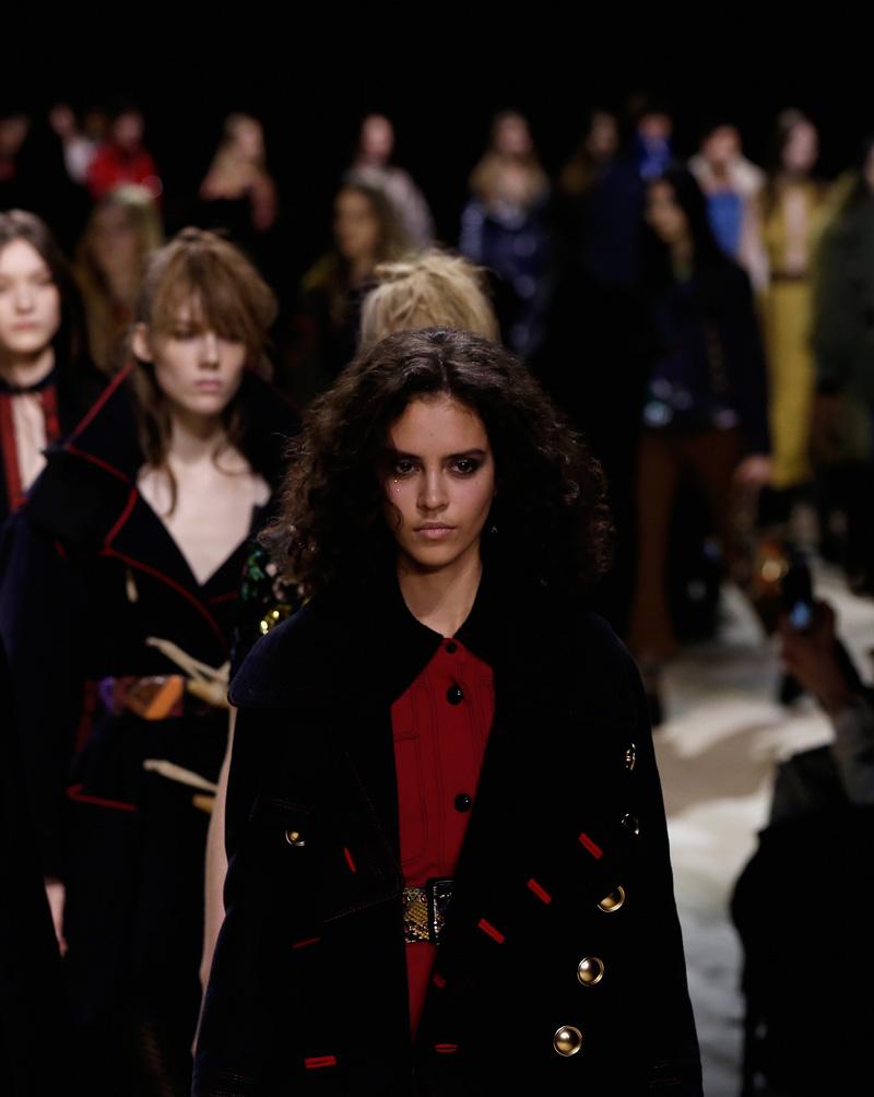 Imagen del desfile de Burberry en la semana de la moda londinense el pasado lunes. La firma británica puso a la venta esta colección justo después del desfile.