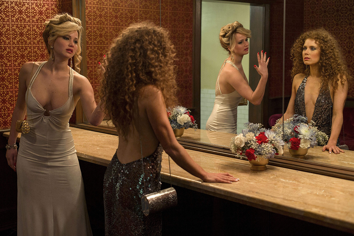 Jennifer Lawrence y Amy Adams en 'La gran estafa americana'.