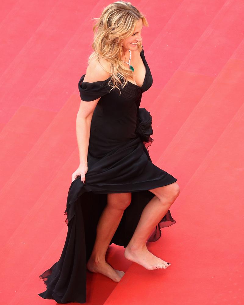 julia roberts descalza alfombra roja cannes 2016