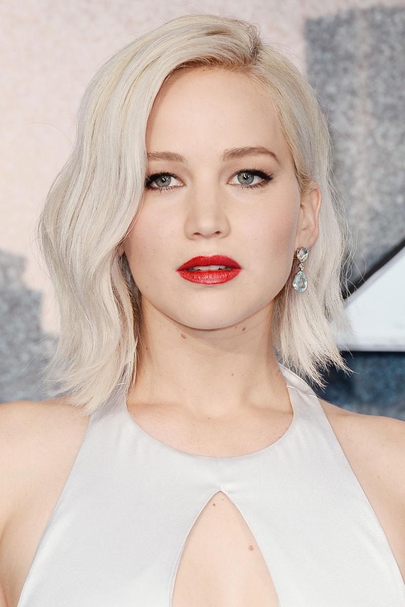 pelo rubio platino Jennifer Lawrence