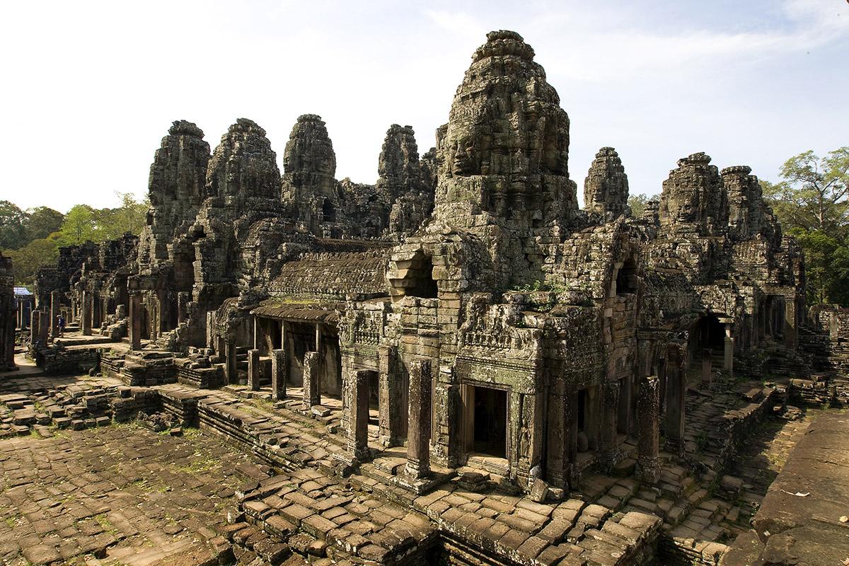 destinos destrozados turismo masivo templo angkor wat