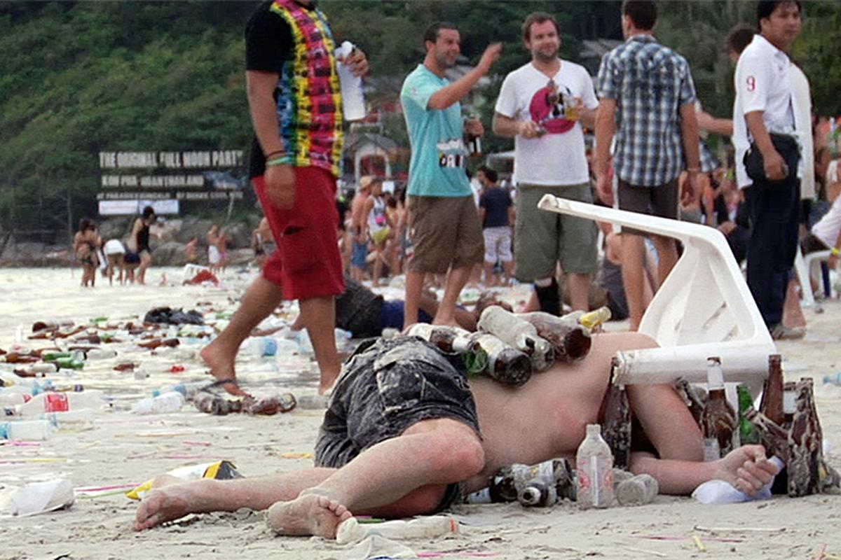 destinos destrozados turismo masivo playa tailandia
