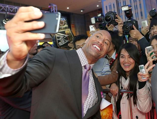 Por qué deberíamos empezar a tomarnos muy en serio a Dwayne Johnson ('The Rock')