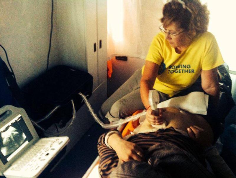 Las voluntarias españolas que asisten a las embarazadas refugiadas en Grecia