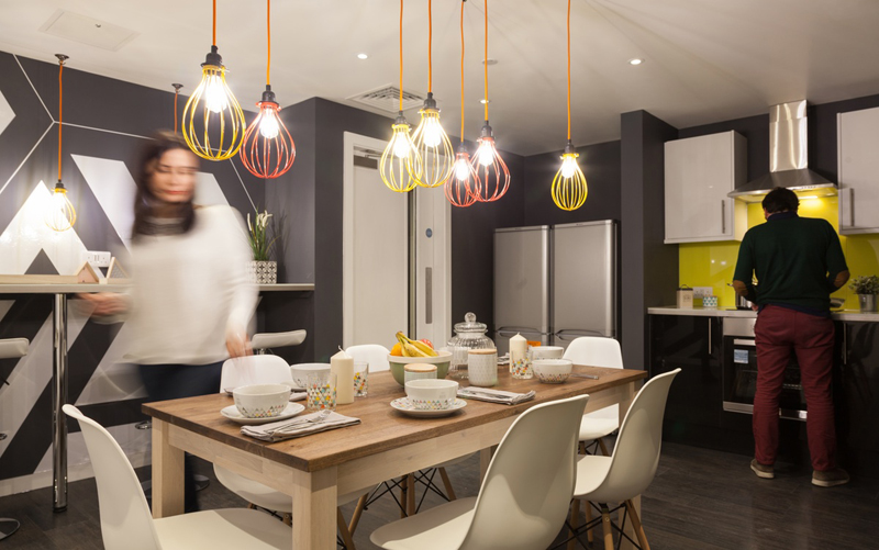 Así es la cocina compartida de The Collective en Inglaterra.