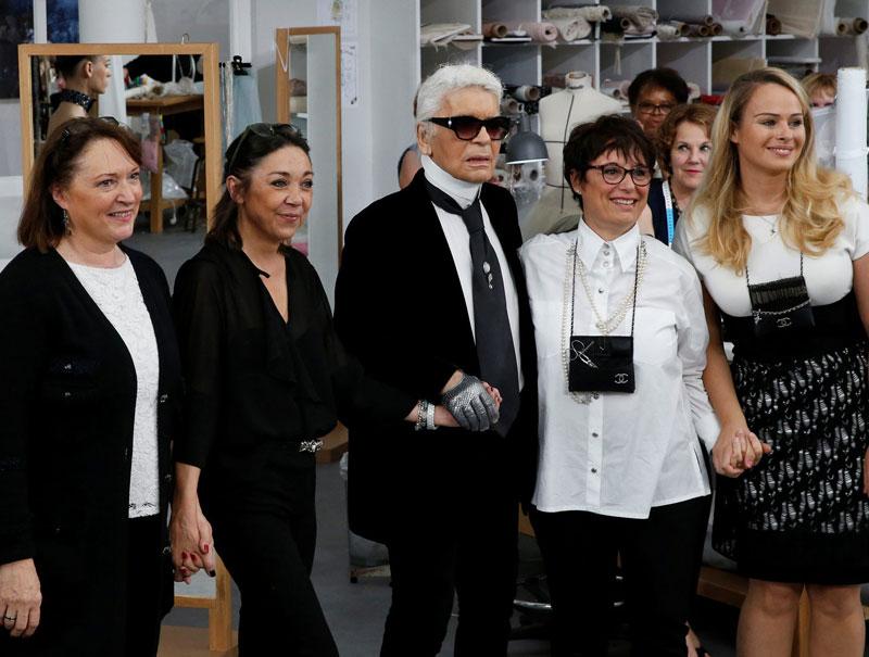 Los 'instagrams' que muestran el homenaje de Chanel a sus costureras de toda la vida