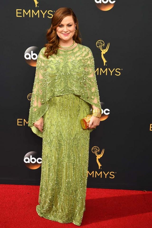 Todos los looks de la alfombra roja de los Emmy 2016