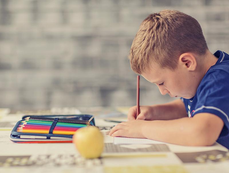 ¿Hasta qué punto los padres deben ayudar con los deberes?