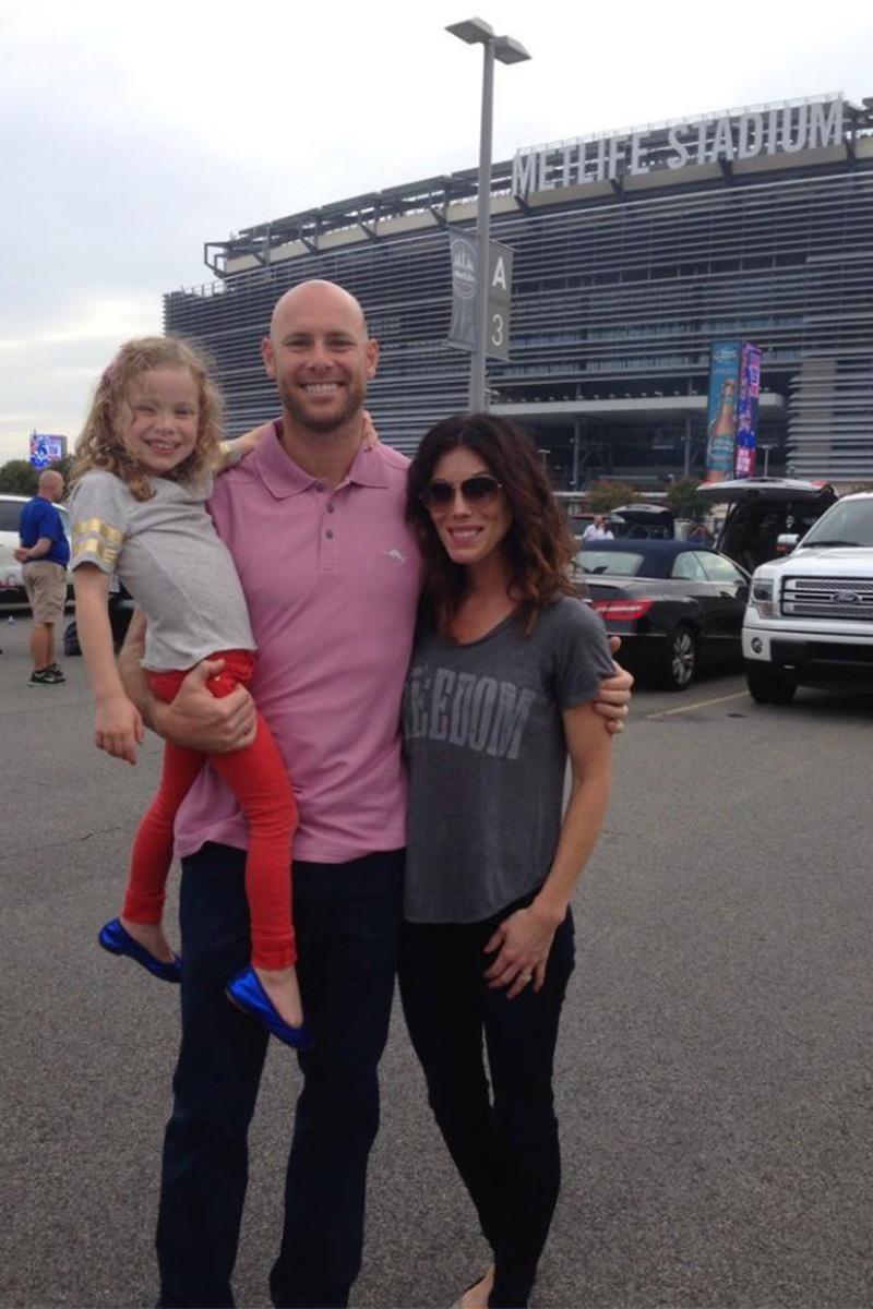 Brown con su familia, en una imagen publicada en su cuenta de Twitter personal.