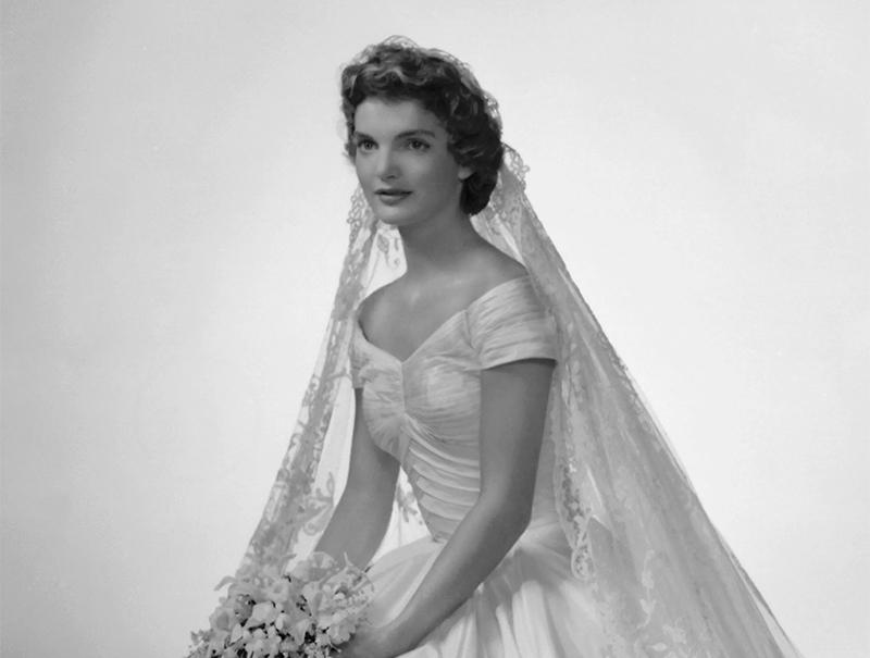 Por qué Jackie Kennedy casi no se casa con su vestido de novia