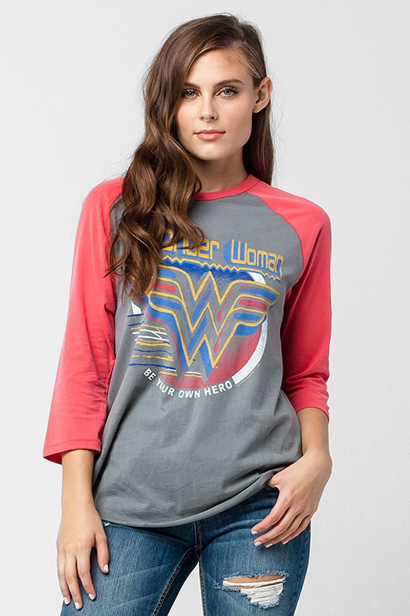 Shopping - 20 pruebas de que la moda ha caído rendida ante el poder de 'Wonder Woman'