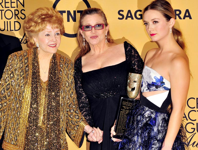Debbie Reynolds ,Carrie Fisher y Billie Lourd en una imagen de 2015.