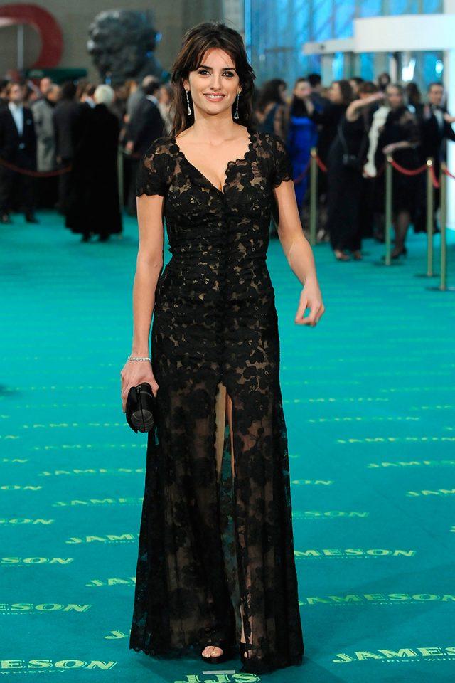 302d76d85c0 100 vestidos que ya son historia de los Premios Goya