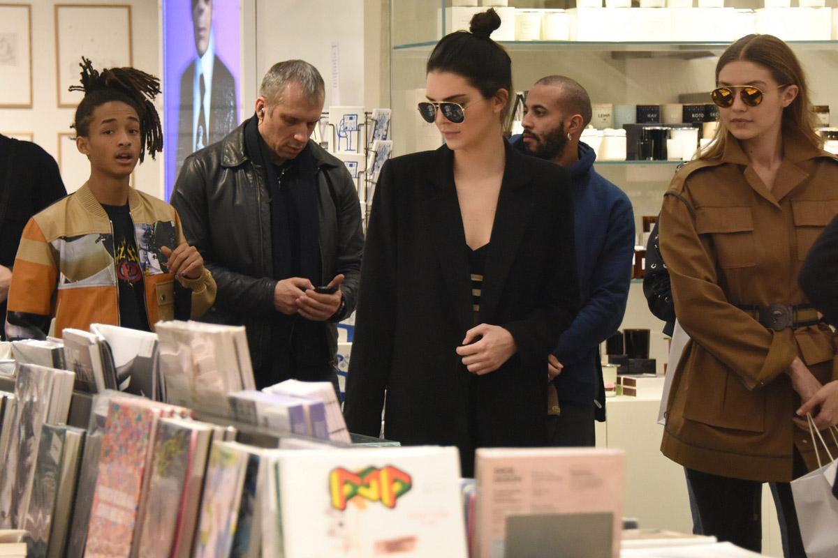 Jaden Smith, Kendall Jenner y Gigi Hadid de compras en Colette.