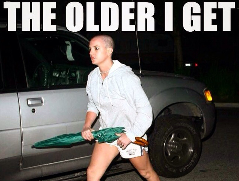 12 memes de Britney Spears que nos recuerdan que todos podemos sobrevivir a un mal año