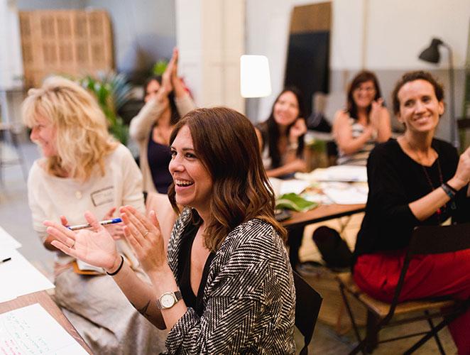 'Extraordinaria': la comunidad de mujeres emprendedoras que arrasa