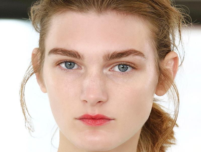 ¿Ha muerto la raya del ojo? 25 pruebas de que el 'eyeliner' ya no está tan de moda