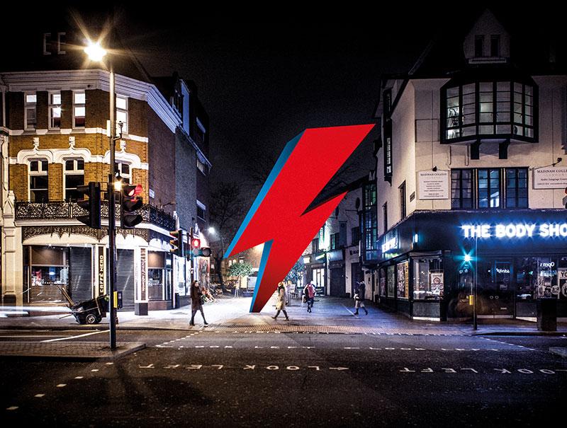 Un rayo gigante en memoria de David Bowie