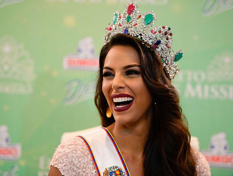 «Me haré la cirugía plástica que haga falta para ser Miss Venezuela»