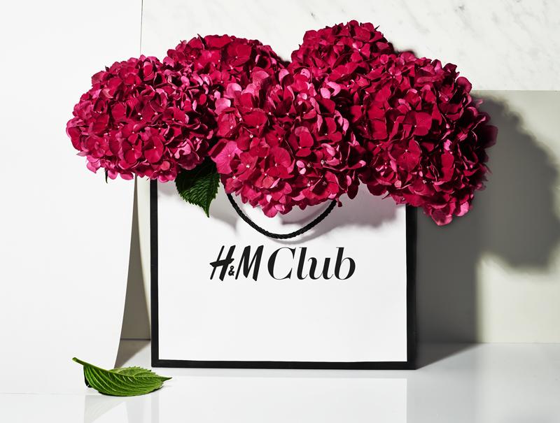 el lanzamiento de hum club en espaa ser un viaje para dos personas para conocer la recin estrenada tienda insignia de paseo de grcia en barcelona