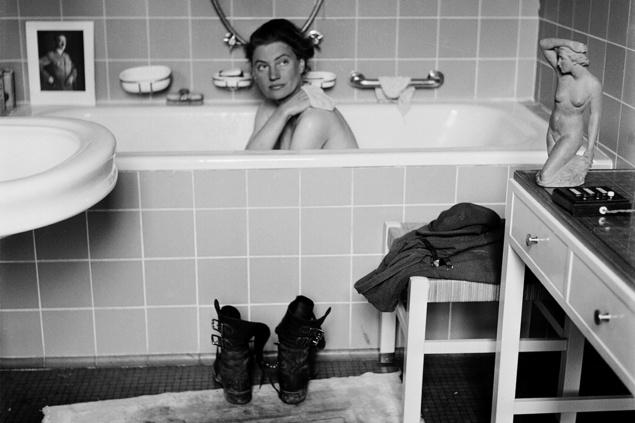 Lee Miller, la modelo que dejó la moda para ser fotógrafa de guerra