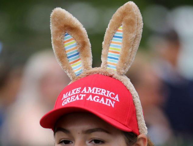 La gorra de Trump se convierte en un icono de la rebeldía adolescente