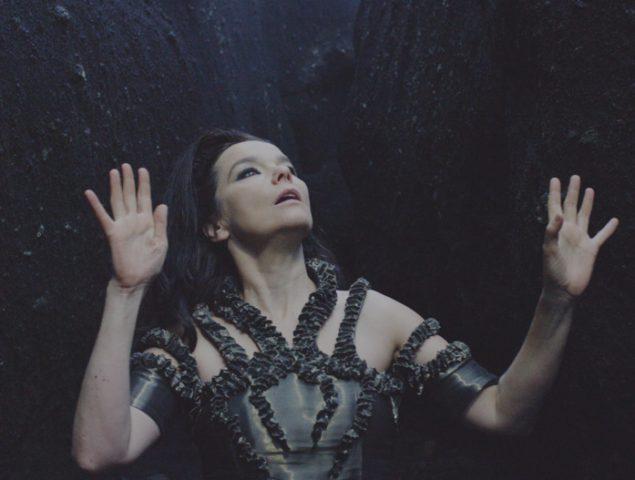 Sexismo, rupturas y ganas de vivir: tres lecciones del 'día Björk' en Barcelona