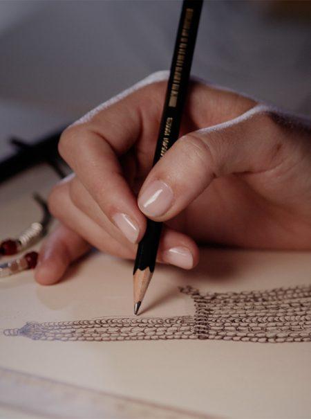 Así se hacen a mano las joyas artesanales de UNOde50