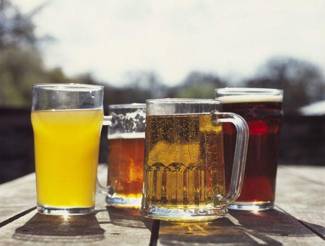 La cerveza que vas a beber (y la que deberías) según tu destino de vacaciones