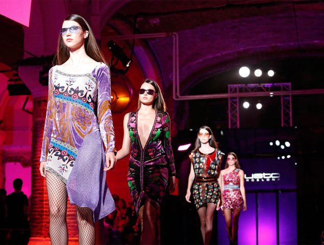 Lentejuelas, purpurina y satén: la colección más brillante de Custo Barcelona
