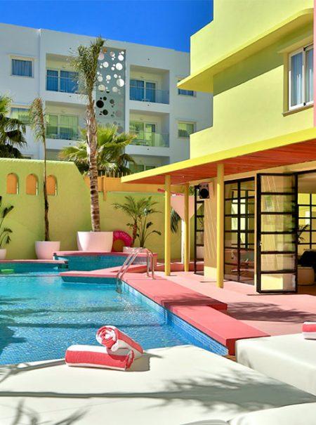 10 hoteles especiales para escaparse este verano
