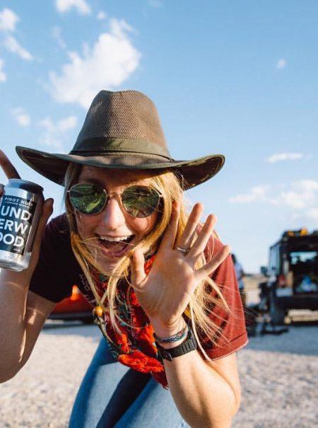 Adiós a la cerveza y al calimocho: los 'millennials' se dan al vino en lata