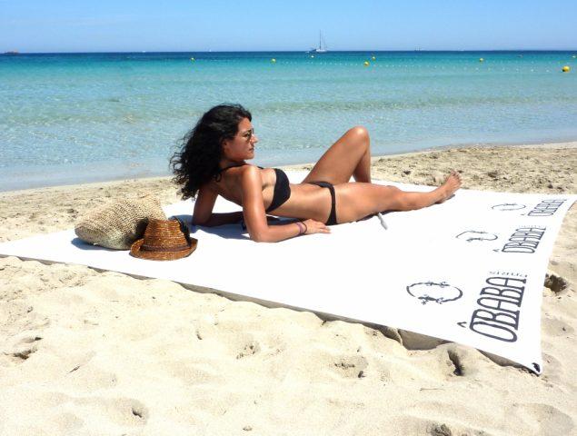 La toalla que no se vuela y otros 9 imprescindibles para triunfar en la playa