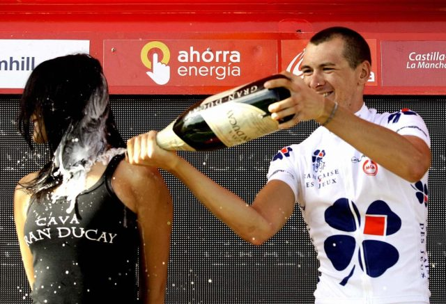 10 imágenes sexistas de azafatas en la Vuelta ciclista que no se repetirán