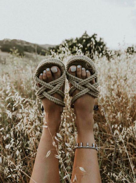 Ni de esparto ni 'piscineras': las sandalias del verano están hechas de cuerda