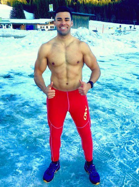 El abanderado de Tonga se pasa a la nieve