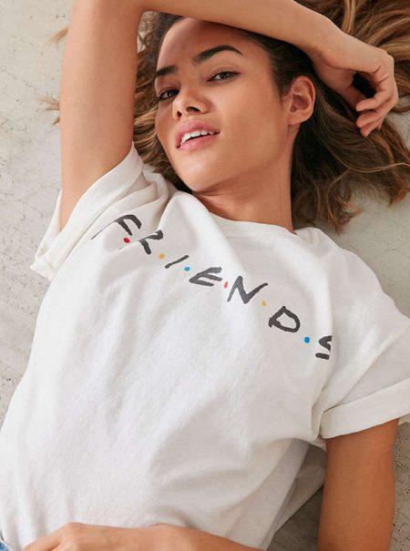 La de 'Friends' es la nueva camiseta de los Ramones