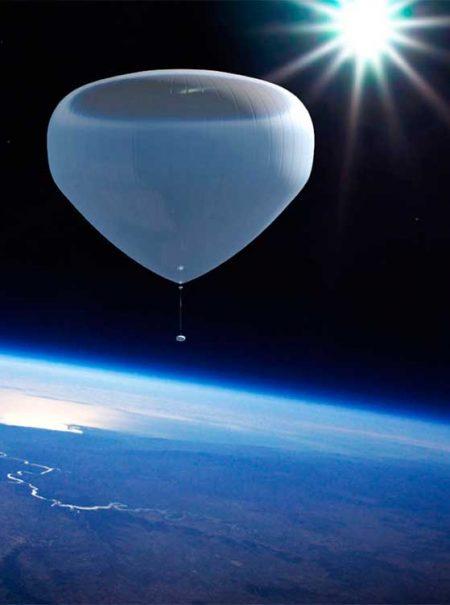 Viajar al espacio por un precio asequible (y vestido de ECOALF) no es una idea descabellada
