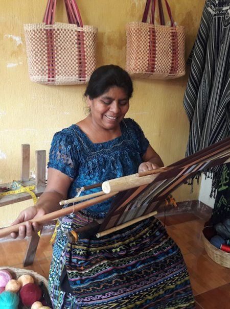 Los artesanos de Guatemala plantan cara a las plataformas que se apropian de su trabajo