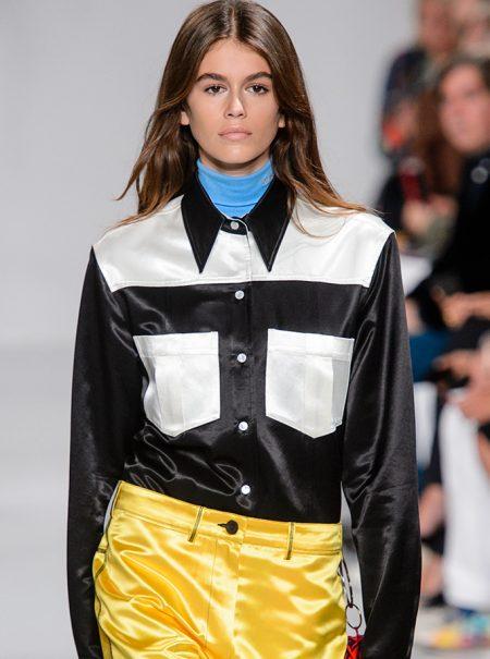 Kaia Gerber, la hija de Cindy Crawford, debuta en el desfile de Calvin Klein
