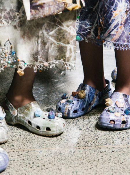 Otra pesadilla de la moda se hace realidad: se llevan (y mucho) las Crocs
