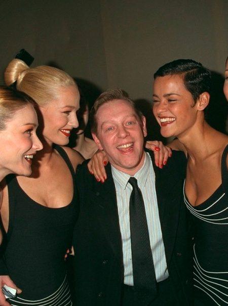 Adiós a Hervé Léger, el creador del vestido más ceñido (y polémico) de los 90