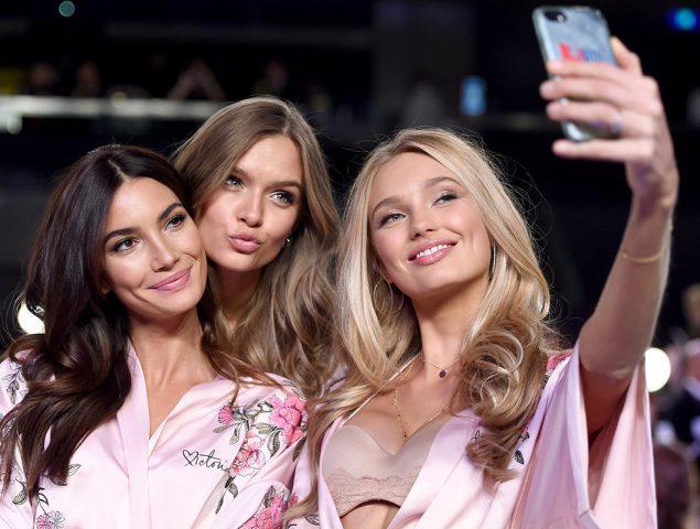Todo preparado para el desfile de Victoria's Secret: las imágenes del 'backstage'