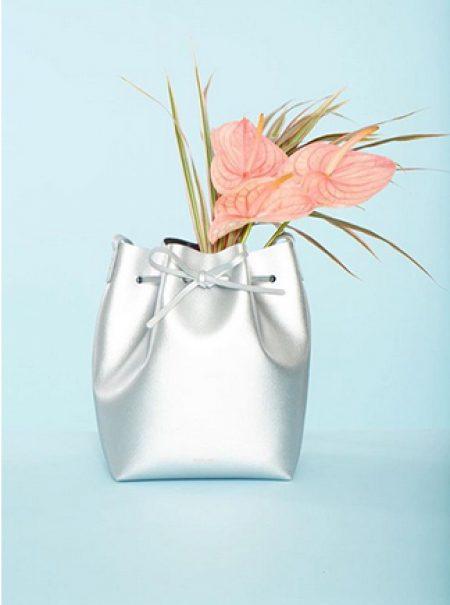 No son imaginaciones tuyas, esta extraña flor ha invadido el universo de la moda